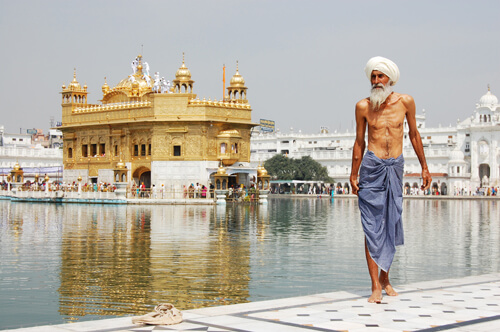 2. Harmandir Sahib GÇô Punjab, India